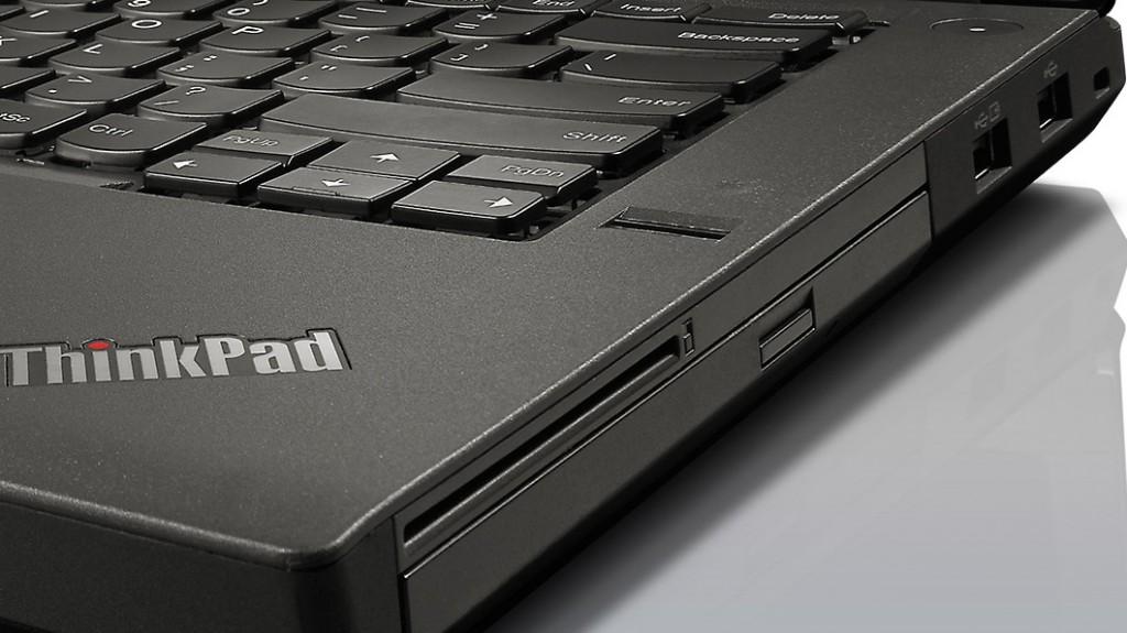 ThinkPad T440p、光学ドライブ搭載画像